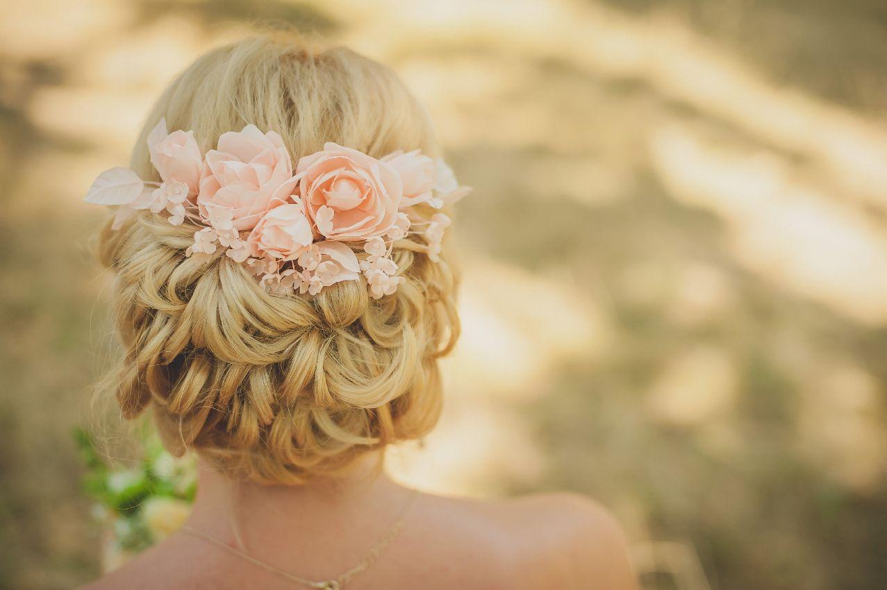 Женские причёски для круглого лица на средние волосы