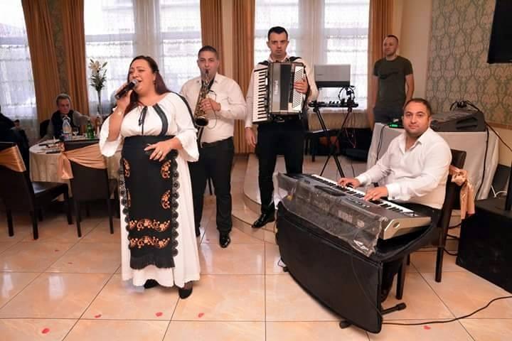 Lorena Florentin Music Band Muzica De Petrecere